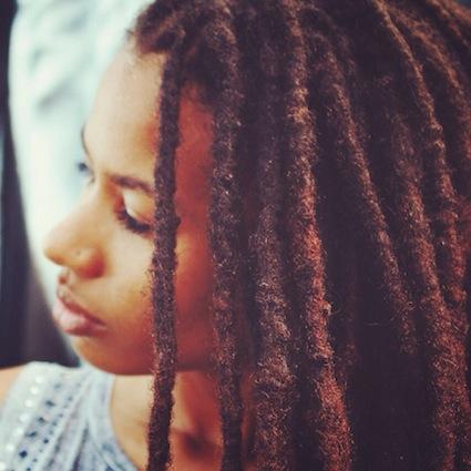 Inspiration cheveux : des locks à l'afro – Melissa