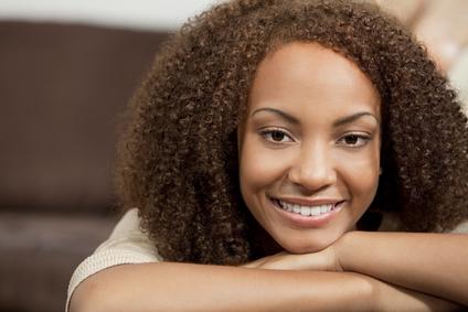 Comment gérer des cheveux crépus fins ?